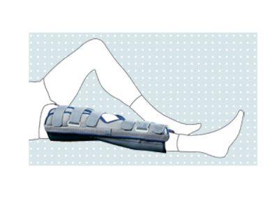 Fig. 07 - Stabilizzatore caviglia bivalva con cuscinetti in gel refrigerabili per crioterapia
